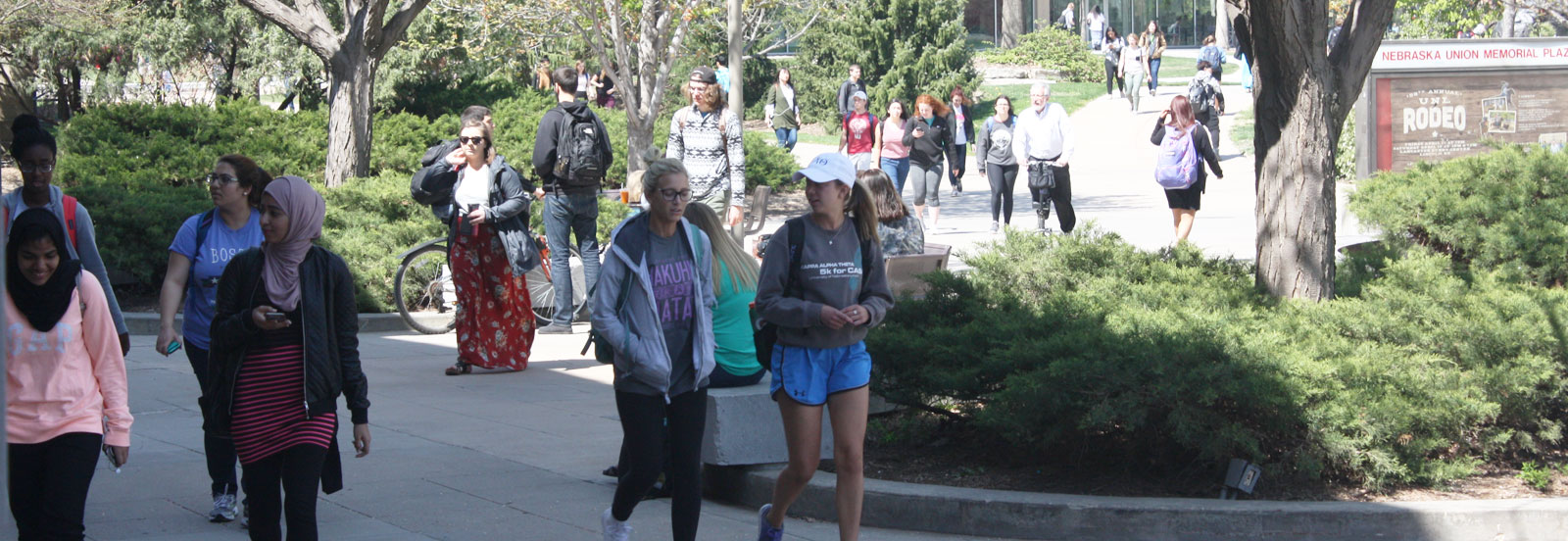 Students walking across University of Nebraska campus