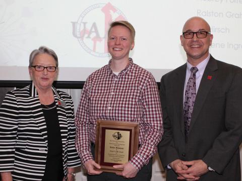 Robin Bowman accepts Oldt Award